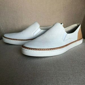 UGG 8 Adley Leather Perf Sneaker Boat Shoe White